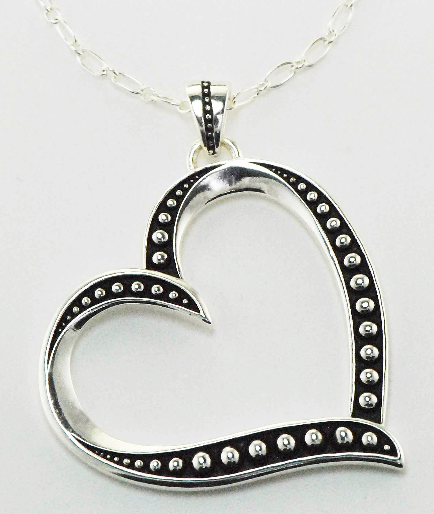 Western Edge Jewelry Side Heart Necklace