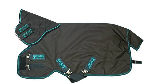 Amigo Hero Plus Turnout Blanket - Medium Weight