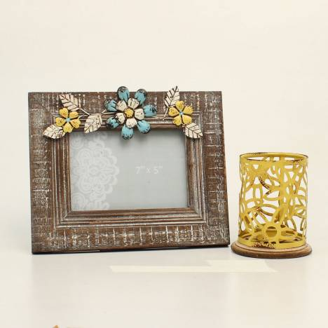 Western Moments Distressed Frame And Wire Candle Gift Set
